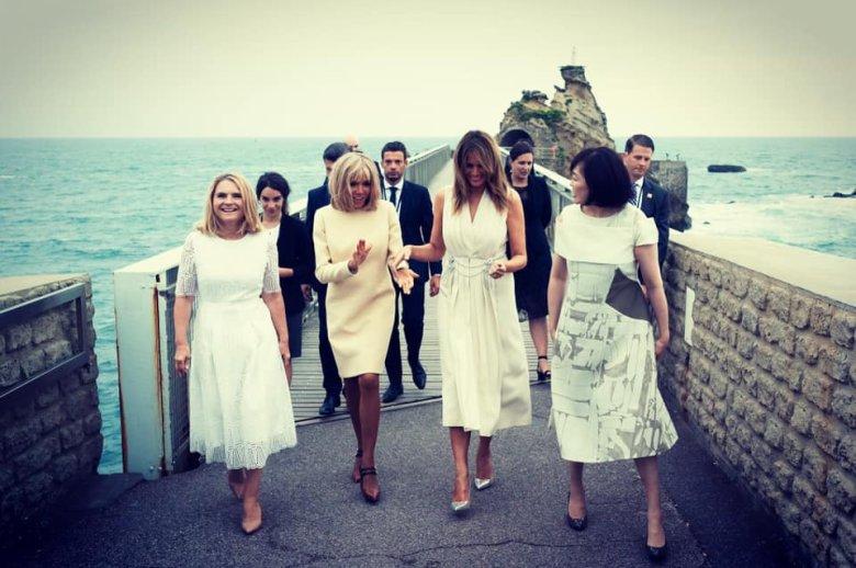 Małgorzata Tusk we Francji obok żon przywódców państw grupy G7.