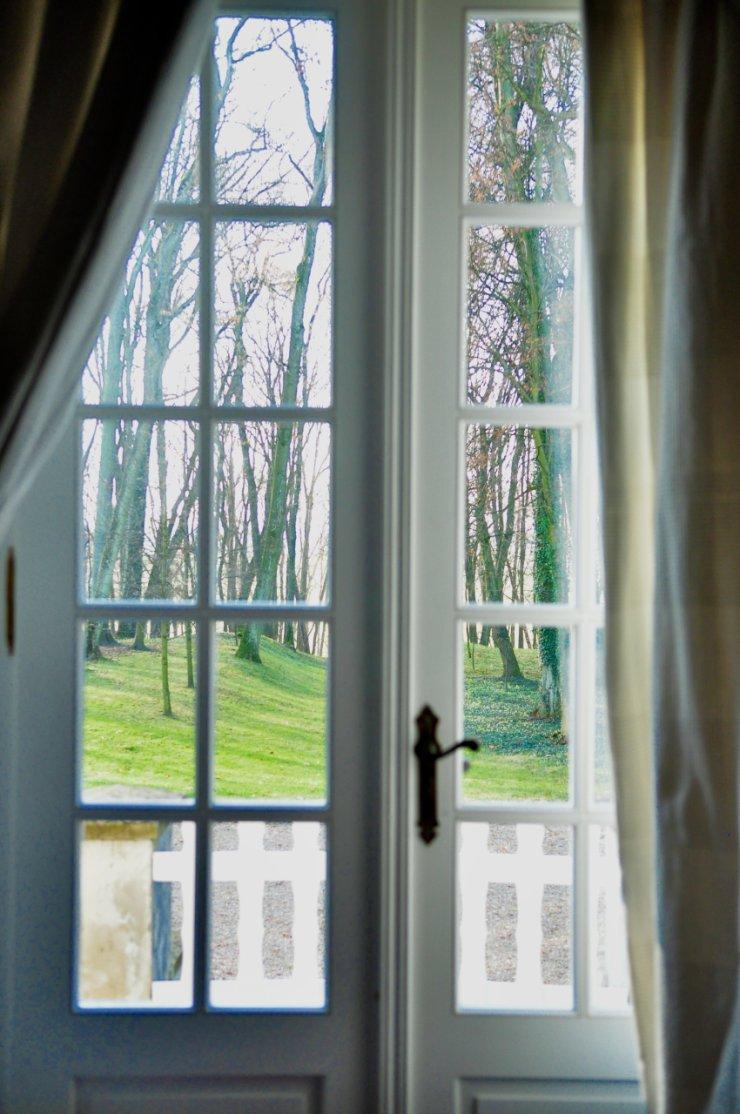 Pałacowe okno w słońcu