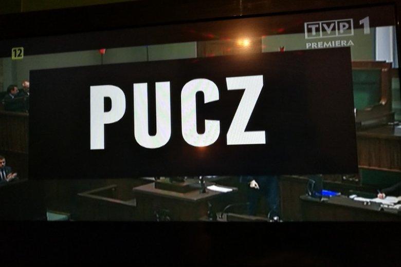 """W porze największej oglądalności w TVP wyemitowano propagandowy """"Pucz""""."""