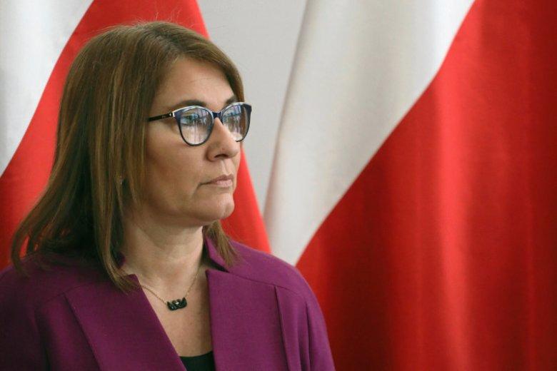 """""""Szwedzi uciekają ze swojego kraju, aby w Polsce znaleźć spokój i normalność"""" – napisała na Twitterze Beata Mazurek."""