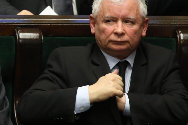 """Jarosław Kaczyński i jego droga po władzę są tematem obszernego artykułu w """"The Guardian""""."""