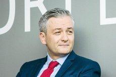 Prezydent Słupska Robert Biedroń boleśnie punktuje wicepremier ds. społecznych Beatę Szydło w sprawie protestu rodziców osób niepełnosprawnych.