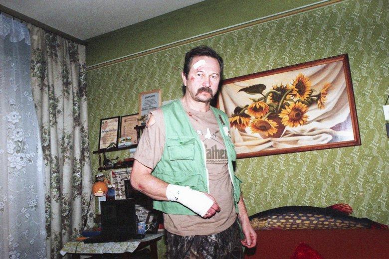 W tytułowego fanatyka wędkarstwa wciela się znany polski aktor Piotr Cyrwus.