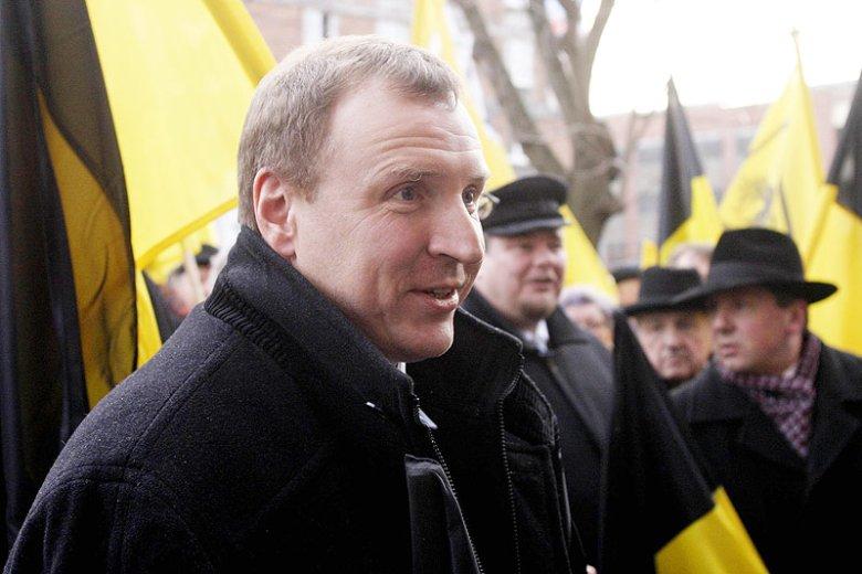 Kaszubi nigdy nie zamykali się w obrębie jednej partii. Spore wpływy wśród liderów kaszubskich ma więc np. Jacek Kurski.