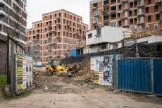Mieszkania w Polsce powstająna potęgę. Powstaje pytanie, czy nie grozi nam kolejny krach na rynku nieruchomości.