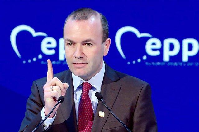 Jeden z liderów najpotężniejszej na Starym Kontynencie Europejskiej Partii Ludowej znowu ostro o sytuacji w Polsce. Manfred Weber ostrzega, że przejęcie Sądu Najwyższego przez PiS może doprowadzić do tego, że w Polsce nie będzie już demokratycznych wyboró