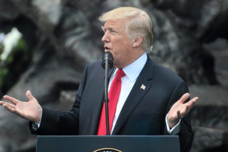 Donald Trump będzie musiał zakopać topór wojenny i wspólnie z Kanadą i Meksykiem zorganizować mundial 2026.