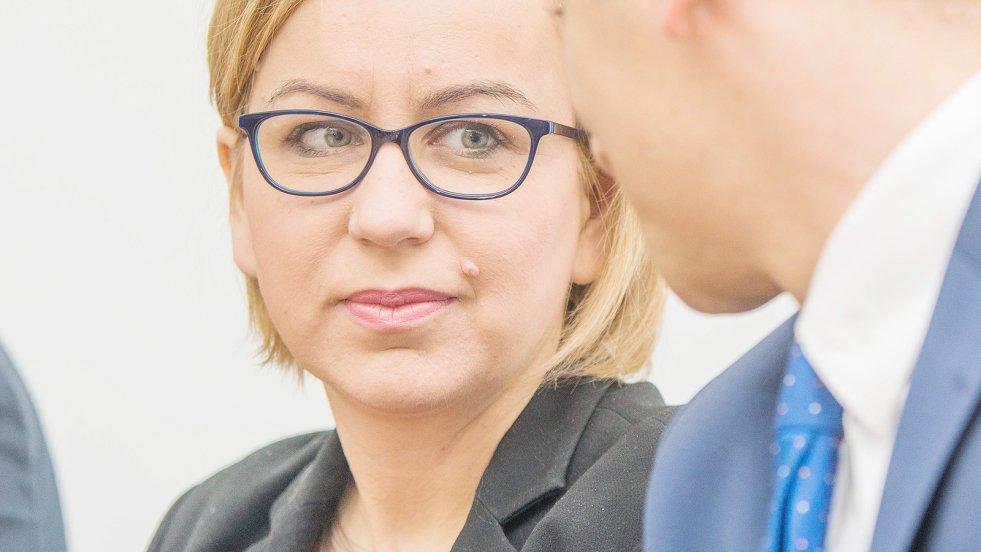 W rozmowie z naTemat.pl Paulina Hennig-Kloska z Nowoczesnej potwierdza, że jej partia zamierza zlikwidować program Rodzina 500+, jeśli przejmie władzę. Posłanka przedstawia jednocześnie szczegóły alternatywnego programu Aktywna Rodzina.