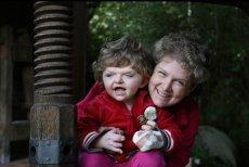 Rodzice Igi wyemigrowali do Niemiec, aby pomóc swojemu dziecku.