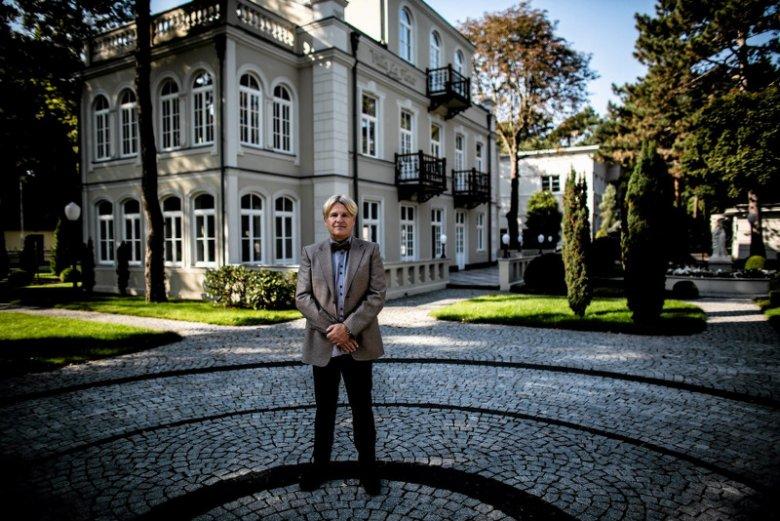 Marek Roefler w Noc Muzeów otwiera szeroko drzwi swojej willi w Konstancinie. Na ścianach kawał historii polskiego malarstwa.