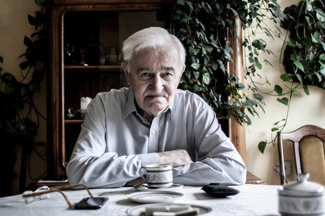 Pan Władysław Kreid ma 91 lat i nadal pracuje w międzynarodowej korporacji