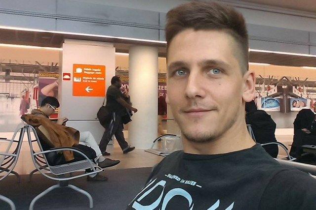 Jeszcze na lotnisku: przede mną długa podróż.