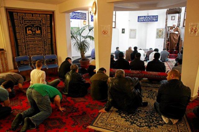 Gdańscy księża deklarują chęć udziału w zbiórce na podpalony meczet