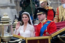 [url=http://shutr.bz/10T4IAS]Kate Middleton[/url] urodziła nowego następcę tronu w brytyjskiej rodzinie królewskiej