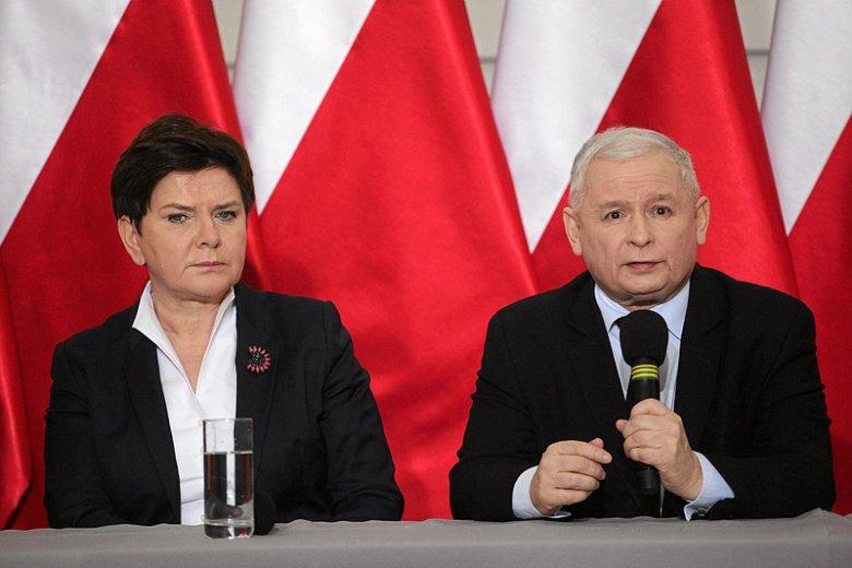 Od dawna spekulowano o poważnej rekonstrukcji rządu, a nawet zastąpieniu Beaty Szydło przez Jarosława Kaczyńskiego. Teraz PiS twierdzi, że zmiany personalne będą niewielkie.
