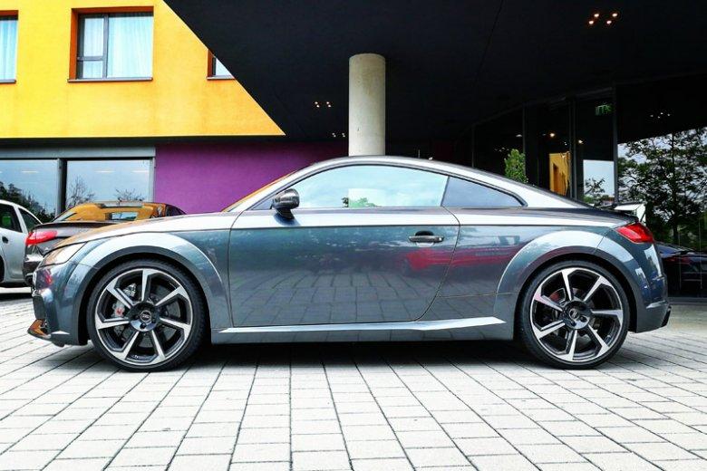 Audi TTRS - mały i niepozorny, ale wariat.