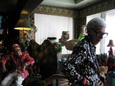 """""""Iris"""". Dokument o ekscentrycznej, 93-letniej ikonie stylu Iris Apfel to jedna z pozycji, które warto zobaczyć podczas tegorocznej edycji festiwalu Docs Against Gravity."""