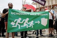 PiS twardo sprzeciwia się przyjęciu uchodźców wojennych, ale jednocześnie rząd sprawił, że Polska stała się drugim najbardziej otwartym na migrantów państwem UE.