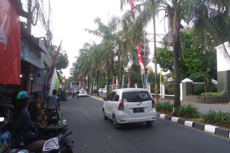 """Rafał Hajduczenia z bloga """"Życie w Indonezji"""" w rozmowie z naTemat opowiedział o tym, jak żyje się w Dżakarcie."""