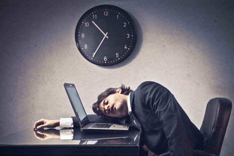 Osoby, które są przez pracę 24h na dobę pod telefonem twierdzą, że da się do tego przyzwyczaić