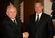 PiS pod przewodnictwem Jarosława Kaczyńskiego sympatyzuje z rządem Viktora Orbána.