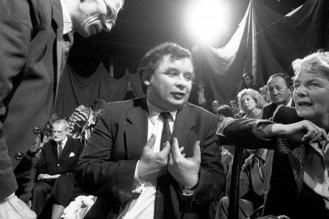 """Z artykułu """"Gazety Pomorskiej"""" z 1990 roku wynika, że Jarosław Kaczyński był wówczas orędownikiem """"szybkiej, szokowej prywatyzacji""""."""