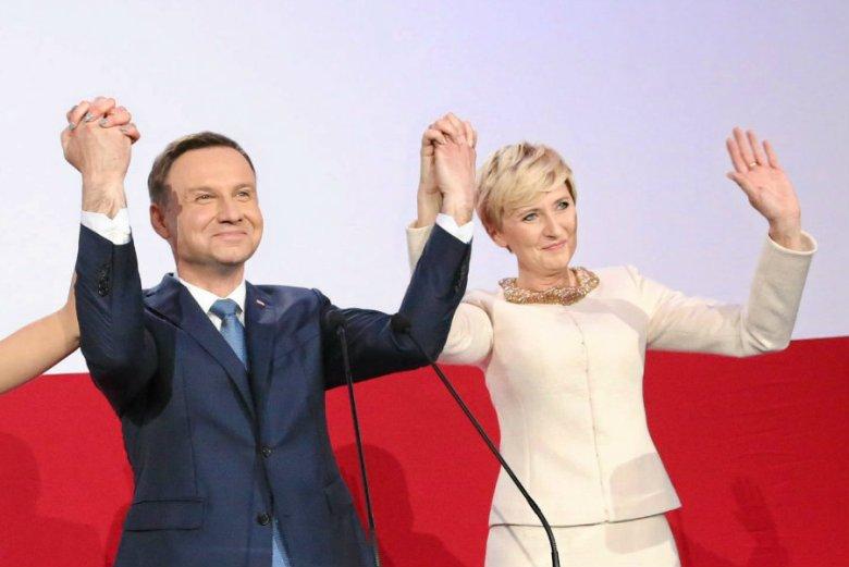 Andrzej Duda nieoczekiwanie dla wielu komentatorów wygrał wybory prezydenckie z Bronisławem Komorowskim.