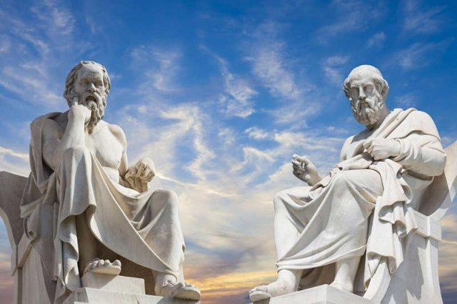 Platon i Sokrates – dwóch wybitnych filozofów okresu starożytności