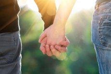 Związki partnerskie coraz popularniejsze. Co trzecia niemiecka rodzina żyje bez ślubu. Fronda.pl bije na alarm