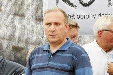 Grzegorz Schetyna chyba wreszcie powinien pochylić się nad tym, gdzie PO prowadzi jego przywództwo. Kolejny sondaż wskazuje, że poparcie dla największej partii opozycyjnej słabnie.