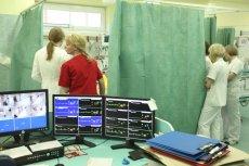 Co widzą lekarze i pielęgniarki w szpitalnej izbie przyjęć. O tym jest ''Twoje życie w moich rękach'',  dostępna już w księgarniach  książka specjalizującej się w tematyce społecznej dziennikarki Katarzyny Skrzydłowskiej-Kalukin