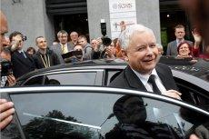 Kierowca Jarosława Kaczyńskiego miał grozić policjantowi zwolnieniem z pracy. Maciej Lasek przypomniał podobną sytuację sprzed lat.