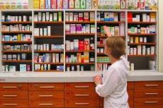 Resort zdrowia chce, by w aptekach nie sprzedawano kosmetyków.