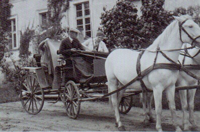 Dorożka. Zdjęcie archiwalne