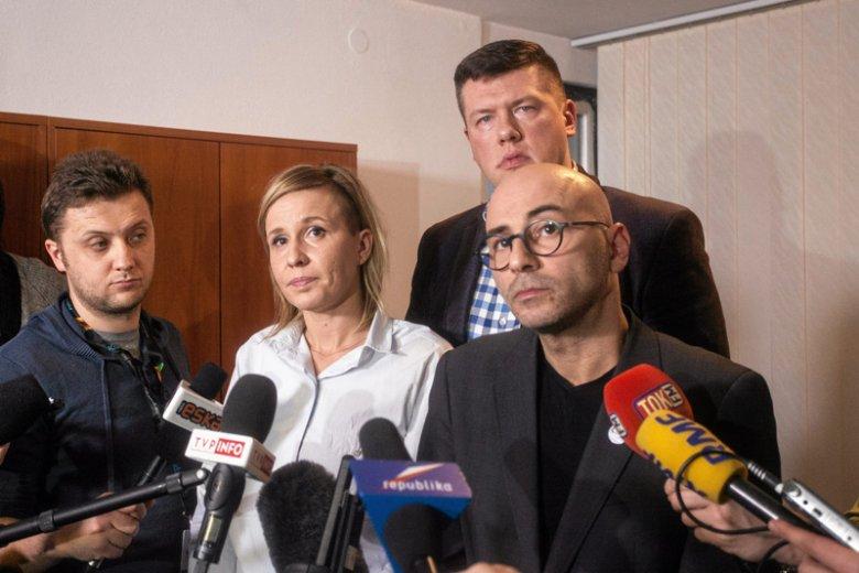 Magdalena Filiks , Jarosław Marciniak i Radomir Szumełda podczas konferencji prasowej ws. faktur Mateusza Kijowskiego.