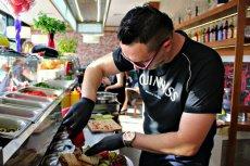 """Mahmoud """"Mike"""" znowu został zaatakowany. W nocy napastnicy włamali się do jego restauracji."""