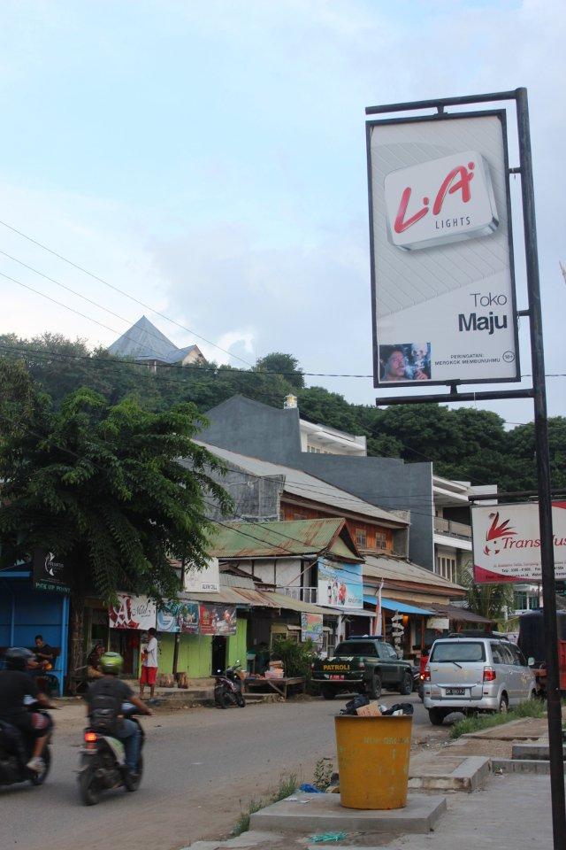 Uliczka na Labuan Bajo.