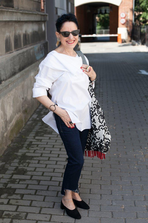 Przy okazji researchu do artykułu znalazłam swoją nową, ulubioną blogerkę – Panią Jagę z Łodzi, prowadzącą bloga Fashion 50 plus.