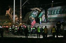 Akcja ratunkowa na miejscu katastrofy kolejowej koło Zawiercia na Śląsku