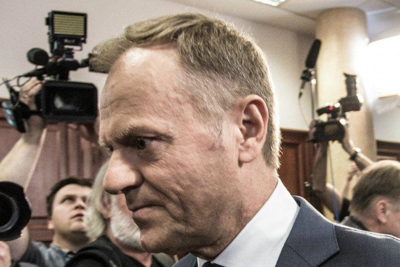 Donald Tusk nie jest już liderem rankingu zaufania.