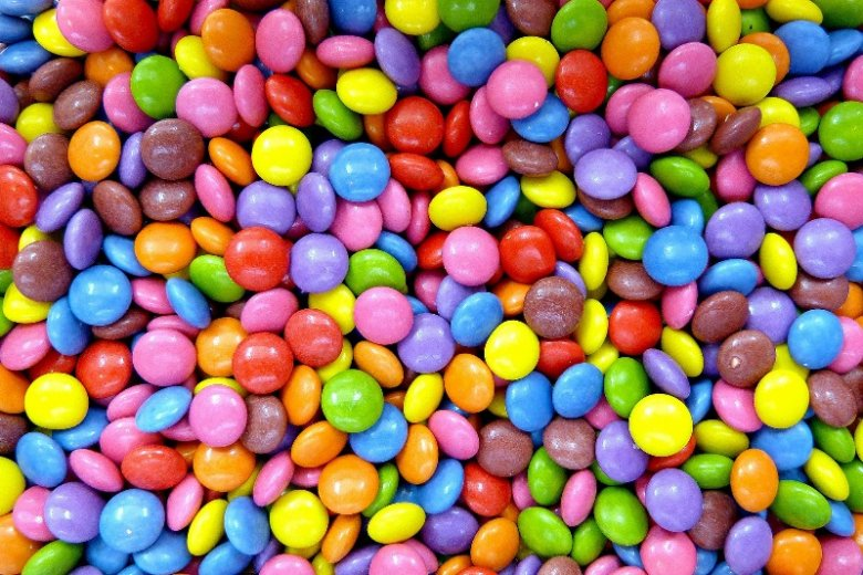 Ile razy jako dzieci słyszeliście, żeby nie brać cukierków od obcych? Brało się to m.in. ze strachu przed miejską legendą mówiącą o słodyczach z narkotykami