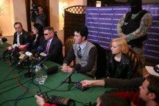 Krzysztof Rutkowski i małżeństwo Waśniewskich na konferencji prasowej