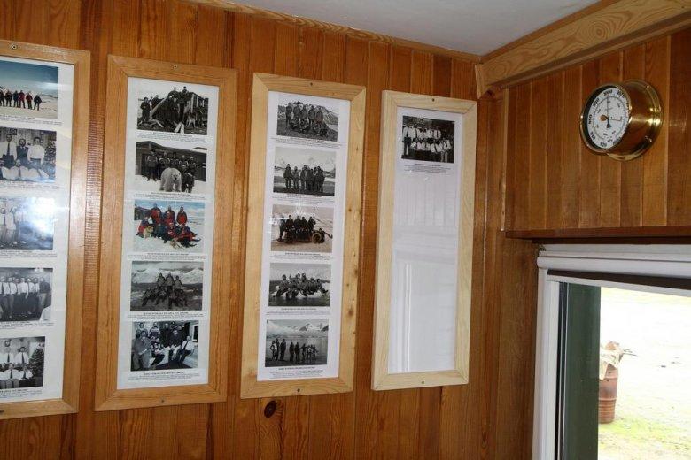 Zdjęcie naszej wyprawy wśród fotografii poprzednich ekspedycji