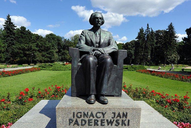 Pomnik Ignacego Jana Paderewskiego w Warszawie. Upamiętnia jednego z ojców polskiej niepodległości.