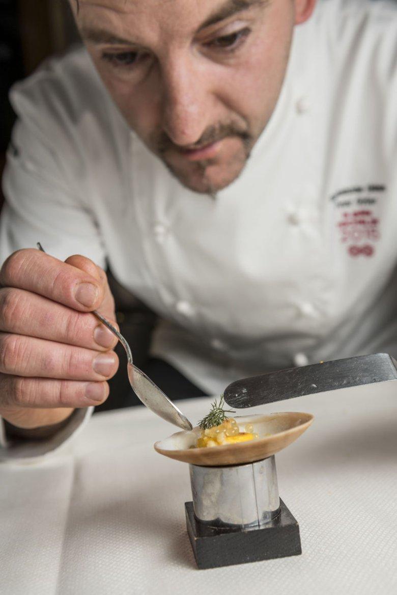 Szef Peter Girtler z restauracji Gourmetstube Einhorn w hotelu Stafler w Mules/Mauls