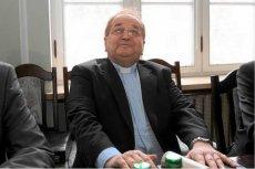 Zakonnik Tadeusz Rydzyk cieszy się stałym dopływem gotówki za rządów PiS.