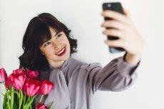 """Niektórzy próbują """"zwabić"""" swój osobę, którą są zainteresowani, doskonałym selfie"""