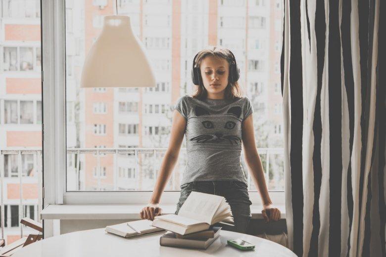 """Ciężko stwierdzić czy """"wieczni studenci"""" to nowy trend społeczny czy pokłosie wychowania."""