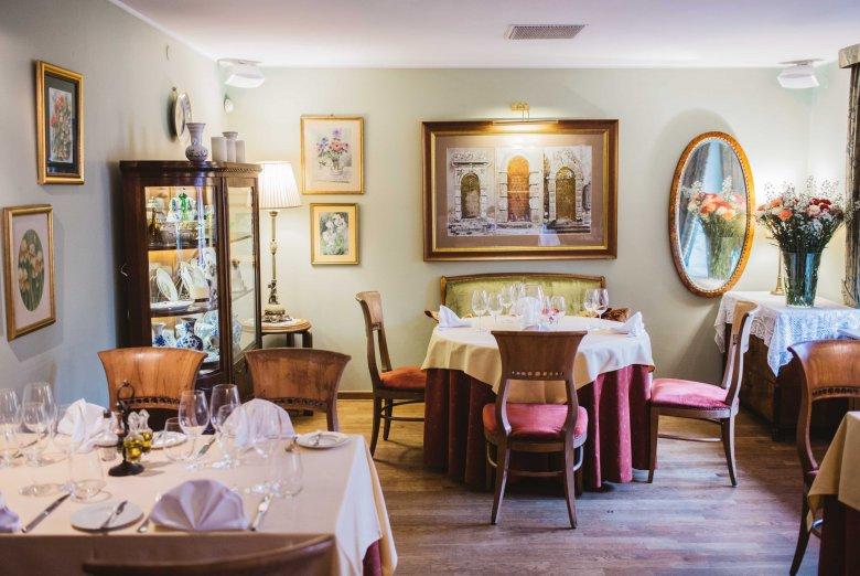 Wnętrze restauracji Dom Polski przy ul. Francuskiej 11 w Warszawie