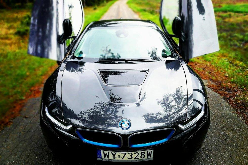 Ceny BMW i8 zaczynają się od 615 tys. złotych.